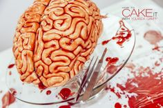 6-torta spaventosa a forma di cervello per Halloween HowToCakeItBrainCake5__880