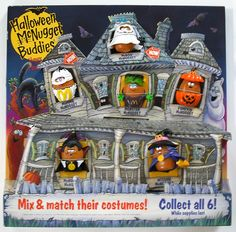 McDonald's Happy Meal Toys June 1992 – Halloween McNugget Buddies The promotion offered a total of six different figures all with their own costume and they were interchangeable. Childhood Toys, Childhood Memories, Sweet Memories, Ol Days, Vintage Halloween, Halloween Photos, Creepy Halloween, Happy Halloween, The Good Old Days