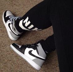 Jordan Shoes Girls, Girls Shoes, Ladies Shoes, Baskets Jordans, Sneakers Fashion, Shoes Sneakers, Sneakers Women, Grey Sneakers, Designer Shoes