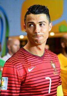 Cristiano Ronaldo World Cup Brazil 2014 Cristiano Ronaldo 7, Ronaldo Cr7, World Best Football Player, Good Soccer Players, Football Players, Real Madrid, Cr7 Vs Messi, Ronaldo Quotes, Saints
