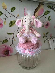 Cute Crochet, Crochet Dolls, Hand Crochet, Crochet Baby, Crochet Jar Covers, Crafts To Make, Diy Crafts, Jar Art, Boyfriend Crafts