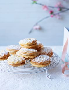 Viennese whirls with vanilla bean buttercream - Take some inspiration from The Great British Bake Off and make our viennese whirls!