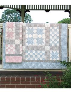 Ritzy Bitsy Babies Quilt Pattern It's Sew Emma, Kimberly Jolly - Fat Quarter Shop Baby Girl Quilts, Quilt Baby, Girls Quilts, Children's Quilts, Easy Quilts, Beginner Quilt Patterns, Quilting Patterns, Quilting Ideas, Quilting 101
