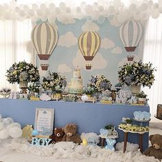 Bom dia com essa linda decoração para um Chá de bebê! #Repost @inspiracaoatelier ・・・ Chá de Baby do Diogo ✨☁️ #maedemenino #festademenino #chadebebe #chadefraldas #kidsparty #kidspartyideas #festainfantil #festabalao #festaurso #festaursinho #babyshower #babyboy