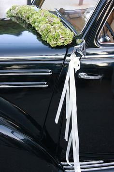 Lovely car flower arrangement #car #flowers #weddings