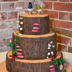 Woodland Wedding Cake by Amanda Macleod.