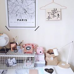A little desk update since my bargain hunt yesterday in Aldi ;) I usually ignored the baskets of stuff as I thought it's full of cheap crap (sorry Aldi! 🙈) but after my last night finds I'll pay closer attention to it ;) you can't ignore rose gold retro phone for £3.79! You just can't ;) yes it working if anyone ask ;) anyone likes other stuff brands are tagged :)