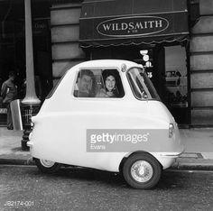 Stock-Foto : Three-Wheeled Car