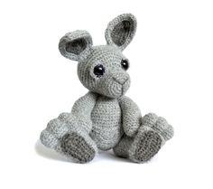Hey, I found this really awesome Etsy listing at https://www.etsy.com/listing/193670318/kangaroo-amigurumi-crochet-pattern-pdf