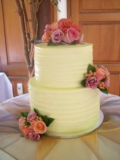 Buttercream wedding cake Auckland $395 flowers supplied by client and from Bay Flowers in Browns Bay
