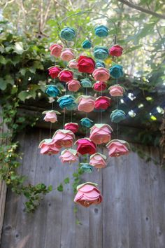 https://www.etsy.com/fr/listing/107011850/bebe-mobile-felt-flower-swarovski?ref=shop_home_active_2