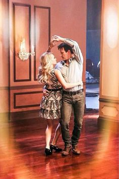 Stephen Moyer and Carrie Underwood Dance in The Sound of Music clip #stephenmoyer #carrieunderwood #TSOM