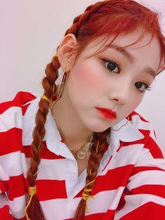Criss Hallyu: Gugudan ( : Selfies Part 334 Korean Fashion Kpop, Kpop Fashion Outfits, Korean Outfits, A Girl Like Me, Cool Girl, Kpop Girl Groups, Kpop Girls, Selca, Kpop Hair