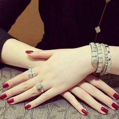 72 best girls hand for dpz images jewelry photography jewelry brooch
