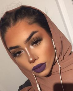 33 Amazing Smokey Eye Makeup Trend 2019 In any event, a smokey eye would be the absolute most appropriate style for the evening. Makeup trends are continuously […] Makeup Trends, Makeup Inspo, Makeup Inspiration, Makeup Tips, Beauty Makeup, Hair Makeup, Makeup Stuff, Makeup Ideas, Makeup Set