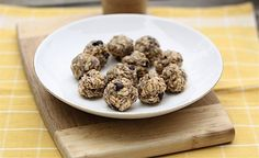 Peanut Butter Chocolate Chip No Bake Balls