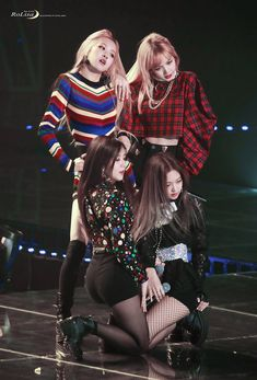 © 로리사 - blackpink rosé, jisoo, lisa and jennie K Pop, Kpop Girl Groups, Korean Girl Groups, Kpop Girls, Girls Generation, Blackpink Photos, Blackpink Fashion, Jennie Blackpink, Blackpink Jisoo