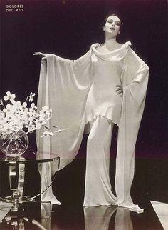 Delores Del Rio. (1930s?)