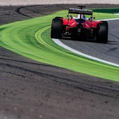 #enlapistadotcom #Repost @scuderiaferrari  Going in circles. #ItalianGp #Seb5 #ScuderiaFerrari #RedSeason #F1 #Ferrari #PrancingHorse #SF16H