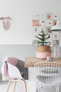 A Scandinavian interior is super trendy easy and beautiful. Even for your dining room. Take white and a touch of a pastel color. More decoration tips you can find here. Interior, Interior Inspiration, Pastel Interior, Home Decor, Room Inspiration, House Interior, Scandinavian Interior Design, Home Interior Design, Interior Design