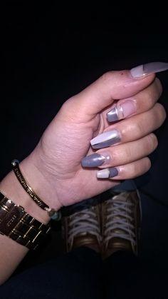 grey matte nail