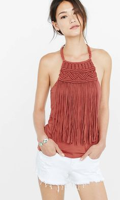 macrame fringe halter cami from EXPRESS Macrame Dress, Macrame Bag, Macrame Knots, Micro Macrame, Macrame Jewelry, Macrame Necklace, Mode Crochet, Diy Vetement, Macrame Design