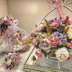 WEBSTA @ tuanahediyelik - İstanbul dan Adapazarı na söz çiçeği ve çikolatası çalışmamız.. Gökçe ve Engin çiftine sonsuz mutluluklar diliyoruz. #istanbul#adapazarı#sözçikolatası #sözçiçeği#bahargelini #feeforje #sunum #kuşluferforje #sepet#pastelsever#pastelaşkı#tuanahediyelik #çiçekaranjman#kızisteme#nişançiçeği#nişançikolatası#vakko#pelit#bursa#aranjman#yapayçiçek#yapaycicek#bohça#çeyiz#gelinevi