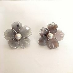 AGATAS EARRINGS IN THE FORM OF FLOWER, MADE IN SILVER.