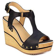 Πλατφόρμες με T-strap και studs - Γυναικείες πλατφόρμες με T-strap και studs του οίκου Gioseppo. Είναι εξωτερικά κατασκευασμένες από γνήσιο δέρμα. Εσωτερικά είναι... Studs, Wedges, Fashion, Moda, Fashion Styles, Stud Earring, Fashion Illustrations, Wedge, Wedge Sandals