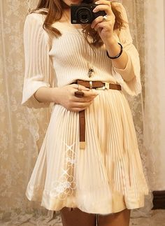 Apricot Round Neck Long Sleeve Pleated Cotton Dress :}