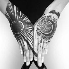 Sun Tattoos, Body Art Tattoos, Sleeve Tattoos, Unique Tattoos, Small Tattoos, Cool Tattoos, Epic Tattoo, Cover Tattoo, Manos Tattoo