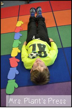 Measuring with mittens and other mitten math activities. Fun ideas for a winter . - - Measuring with mittens and other mitten math activities. Fun ideas for a winter unit. Measurement Activities, Math Activities, Nonstandard Measurement, Winter Activities For Preschoolers, Winter Preschool Activities, First Grade Measurement, Measurement Kindergarten, Length Measurement, Preschool Themes