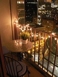 Chicago high-rise studio apartment - Balcony lighting and table :) Chicago high-rise studio apartmen Chicago Apartment, Dream Apartment, Studio Apartment, Apartment Living, Apartment Porch, Small Cozy Apartment, City Apartment Decor, Cute Apartment, Tiny Balcony