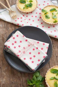 Watermelon Stars Cloth Napkin Set of 6 by annajoyce