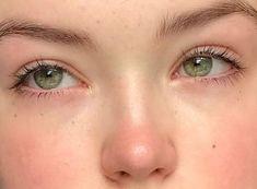 Aesthetic Eyes, Aesthetic Makeup, Aesthetic Girl, Aesthetic Green, Aesthetic Beauty, Makeup Inspo, Makeup Inspiration, Beauty Makeup, Hair Makeup