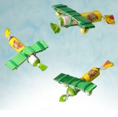Make your own #candy #airplanes. Nice gift on birthday parties.