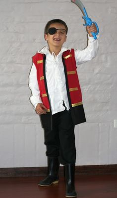 A Mom Not a Professional Nor a Perfectionist: No Sew Captain Hook Costume using a Tee