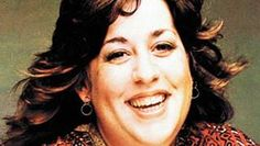 "The facts about Cass Elliot's death were documented shortly after she died by Keith Simpson, one of Great Britain's leading forensic pathologists at that time. The forensic autopsy showed there was ""a heart problem leading to heart failure; there was no sandwich or any other item lodged in her throat or trachea; and she had had very little to eat the day before she died."" A routine drug screening showed no drugs were in her system. The cause of death was heart failure."