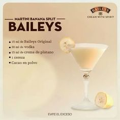 25 drinks recipes with Baileys liquor that will make your mouth water - Baileys Liquor, Licor Baileys, Liquor Drinks, Cocktail Drinks, Coffee Drinks, Cocktail Recipes, Alcoholic Drinks, Beverages, Banana Split