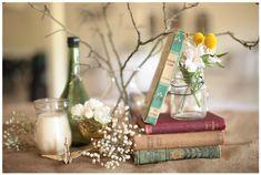 decoração do buffet com Origami tsuru e livros - combinação bem bibliotecária! | Casando Sem Grana