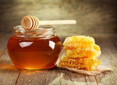 Ingrijeste-ti parul si tenul cu ajutorul mierii! http://femina.rol.ro/ingrijeste-ti-parul-si-tenul-cu-ajutorul-mierii--95219.html