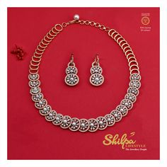 This breathtaking diamond necklace is definitey a treat to the eyes! Shilpa Lifestyle presents VVS Clarity, EF Rated & IGI Certified 💎Diamond ✅️ diamond weight guarantee ✅️ Synthetic diamond tested* ✅️ value for exchange Diamond Necklace Simple, Small Necklace, Diamond Bracelets, Diamond Jewellery, Bangles, Indian Jewelry Earrings, Gold Jewelry, Vintage Jewelry, Jewellery Sketches