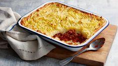 Shepherd's pie recipe - BBC Food Bbc, Choco Pie, Easy Shepherds Pie, Creamy Mash, Lime Pie, Pie Recipes, Cooking Recipes, Cooking Time, Macaroni And Cheese