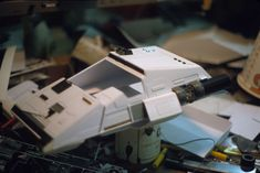 A massive gallery of behind-the-scenes Blade Runner slides has been uploaded to the internet, revealing a teeny, tiny world of space blimps and flying cars, all crafted with special care and beautiful attention to detail. Blade Runner Art, Blade Runner 2049, Scene Image, Scene Photo, Nave Lego, Ridley Scott Blade Runner, Alpha Romeo, Model Shop, Under The Shadow
