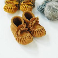More amazing mini moccasins. Baby Moccasins, Dark Tan, Baby Registry, Shoe, Detail, Mini, Amazing, Instagram Posts, Zapatos