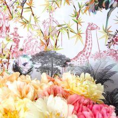 """Une girafe déambule dans le paysage #exotique de notre #motif """"Rêveries"""", égayant les #pivoines tout juste #écloses.  A giraffe, walking in the #exotic landscape of our """"Rêveries"""" #pattern, is flourishing the #peonies. #ChristianLacroix #LacroixLovesReveries #Lifestyle #Reveries #Fabric #Bloom #LacroixLovesFlowers #Paris  via ✨ @padgram ✨(http://dl.padgram.com)"""