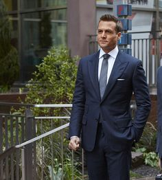 Trajes Harvey Specter, Harvey Specter Suits, Suits Harvey, Suits Tv Series, Suits Tv Shows, Suits Usa, Mens Suits, Best Wedding Suits, Real Men Real Style