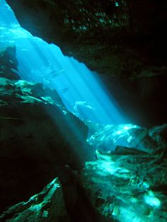 Google Image Result for http://www.cenotemexico.com/images/cavern-diving1.jpg