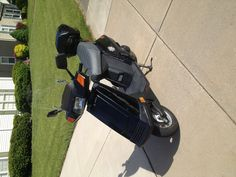My wife's 1999 Honda ELITE 80 scooter.