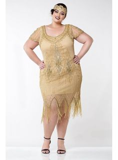 This Flapper Style Fringe Party Dress in Antique Gold recaptures the glamour of 1920's fashion. The classic scalloped sleeves and soft V-neck preserve the vintage look, while highlighting the modern fit. Great Gatsby Party Dress, Gatsby Dress, Flapper Style Dresses, Fringe Flapper Dress, Art Deco Bridesmaids, Flapper Wedding, 20s Flapper, Shower Dresses, Look Vintage